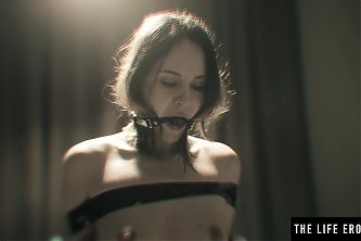 Stunning BDSM beauty indulges her wild taste for orgasms